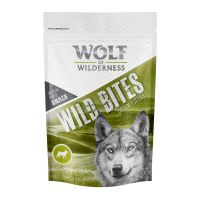 Wolf of Wilderness Snack - Wild Bites 180 g - Green Fields - jehněčí