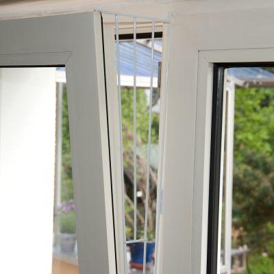 Grille De Protection Trixie Pour Fenêtre à Soufflet Blanche à Prix